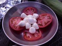 トマトとモッツァレラチーズ