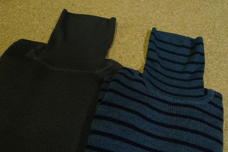 無印良品の首のチクチクを抑えたタートルネックセーター